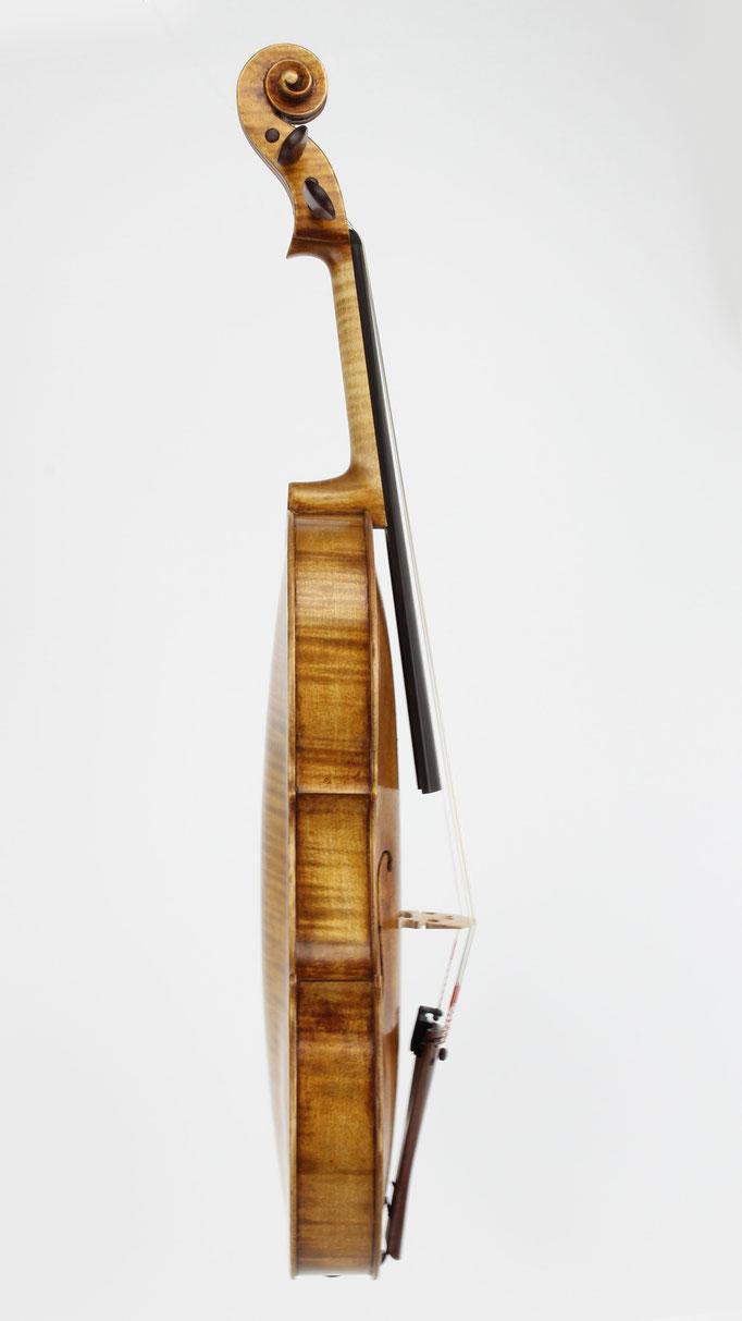 Nachbau einer kleinen Grancino Viola mit kurzem Korpus und kurzer Mensur - hergestellt in unserer Viola Werkstatt in Deutschand