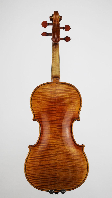 Instrumentenbau Deggendorf - Hier entstehen aus bestem Klangholz hochwertige Violinen für Profi Musiker