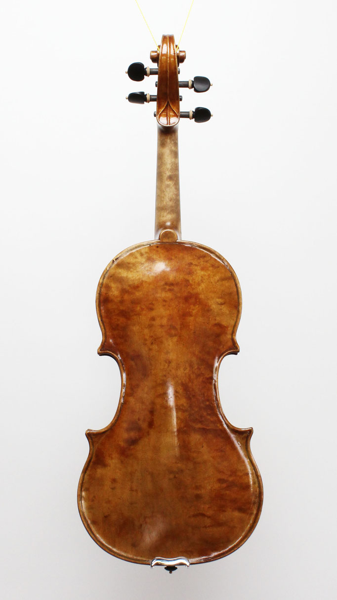 Ein Nachbau einer Nicolo Amati Violine von 1635 - In der Geigenbauwerkstatt in Bayern testen