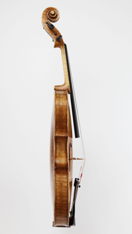 Wie hoch sind die Preise für handgemachte Meisterinstrumente? Eine Bratsche können Sie online bei uns bestellen, oder direkt vor Ort kaufen