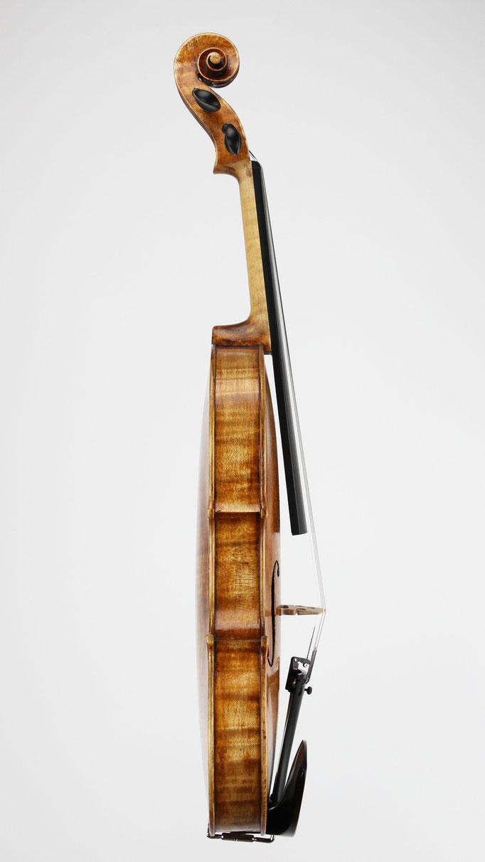 Geigenbau Meister Atelier in Bayern - Geigen Bratschen Celli online einkaufen und bequem liefern lassen.