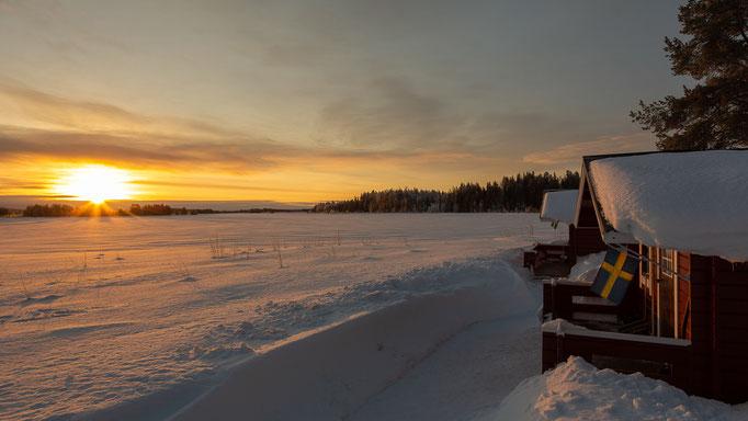 Gästehütte & Sonnenaufgang & Lappland