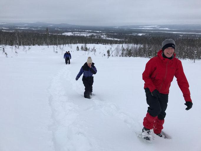 Gäste auf Schneeschuhwanderung