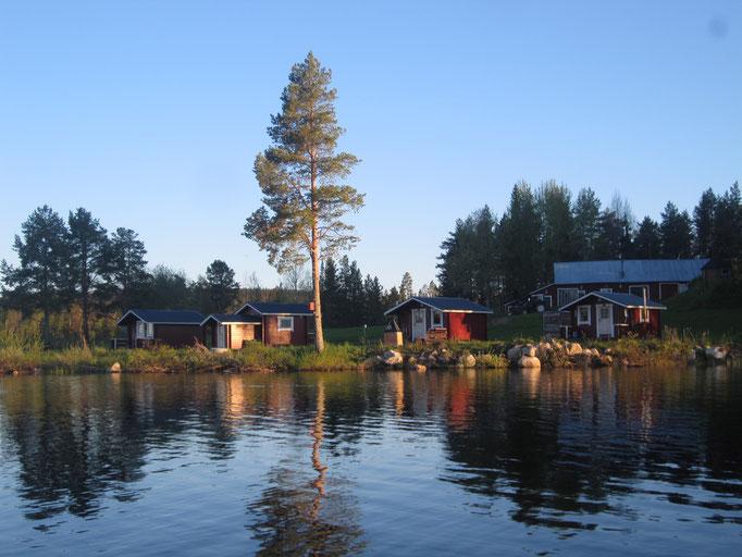 Sicht auf unsere Blockhütten - Lapplands Drag