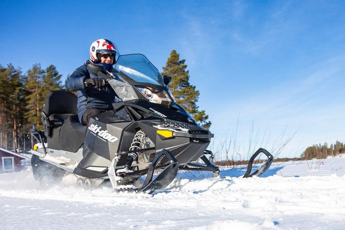 Schneemobiltouren Lappland