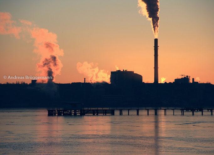 Kraftwerk Kiel im Sonnenaufgang