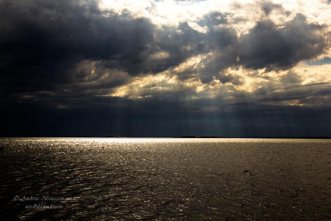 dark sky - glittering sea_1