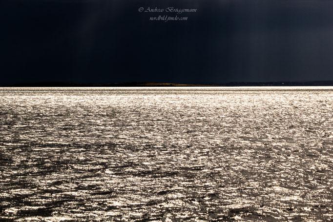 dark sky - glittering sea_3