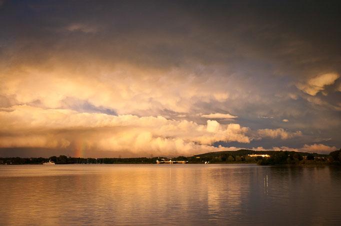 Lichtstimmung mit Mammatuswolken