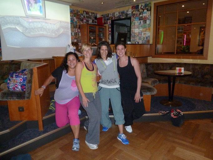 13.07.2012, Zumba-Gold mit Kelly, Corinna und Marta Formoso Iglesias, Dortmund. :-)))