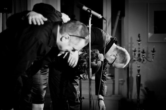 © Santiago Amaya. Tangokonzert im Hinterhofsalon mit D'ACCORD, 20.04.2012.
