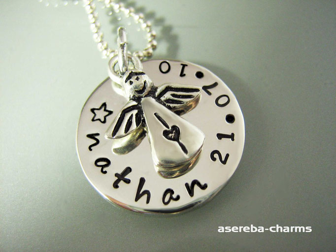 Kette mit Name und Geburtsdatum sowie ein Eingel (Silber 925)
