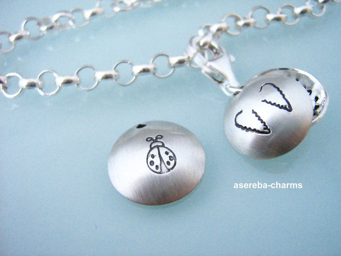Taufarmband mit Mini-Medaillon (mit Namen und Silberkreuz)