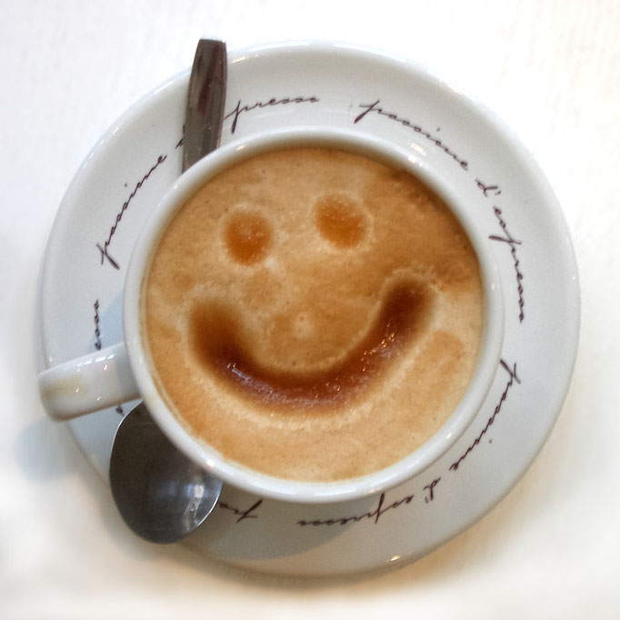 THE COFFEE SMILE (2006, MP0330)  © Michael Pfenning