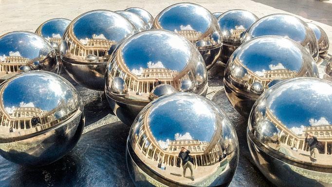 LES FONTAINES A BOULES von Pol Bury, Park Palais Royal, Paris, Frankreich, Sommer 2015 (MP0352) © Michael Pfenning