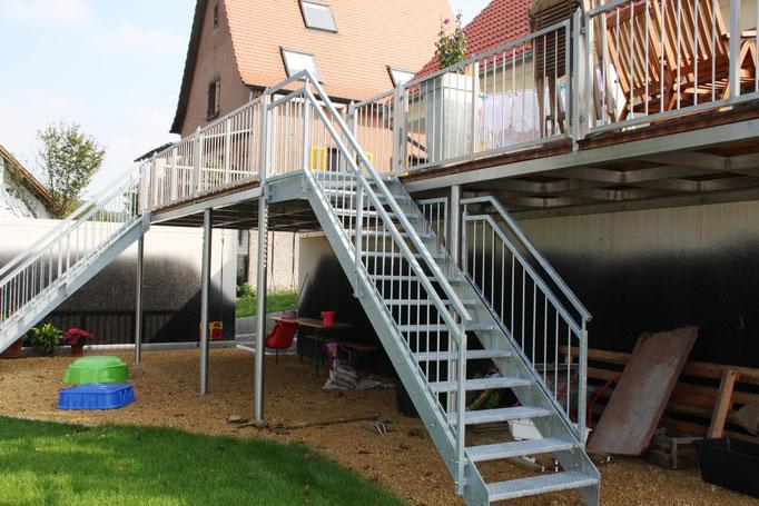 Außentreppe AT 108 mit Terrasse