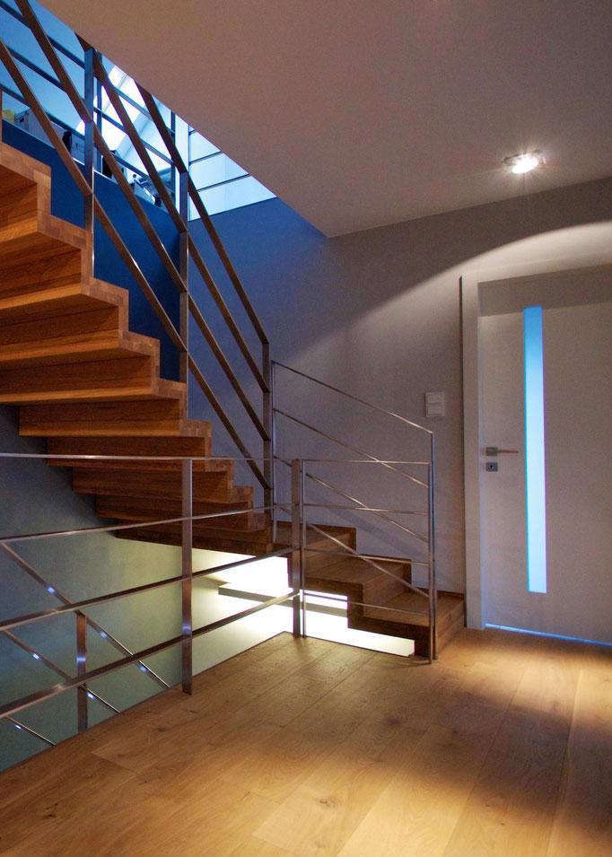 faltwerktreppen designed by tbs. Black Bedroom Furniture Sets. Home Design Ideas