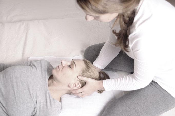 massaggio shiatsu sulla testa