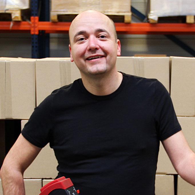 Barry van 't Hout<br>Head of Logistics<br>magazijn@goldengift.nl<br>+31 (0)73 691 8724