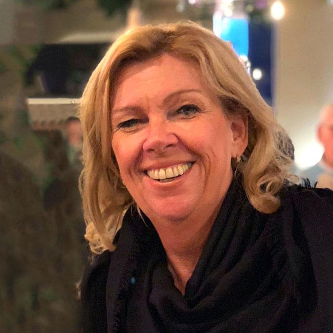 Isabelle van Amelsfoort<br>HR & Buyer<br>i.vanamelsfoort@goldengift.nl<br>+31 (0)73 692 8056