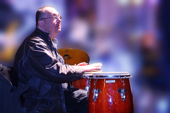 Henning Schuster (Percussion)