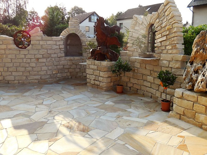 Natursteinterassen, Polygonalverlegung, Natursteinmauer, Terrassenbau, GaLaBau, Garten- und Landschaftsbau, Gartenbau,