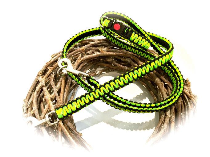 Leine (Spezialanfertigung; 2 Karabiner, 1 Ring) und Paracord/Biothane Halsband im Set (Farben: Dayglow/Black)