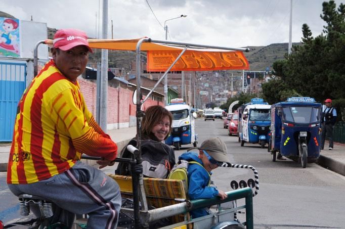 En vélo taxi à Puno !