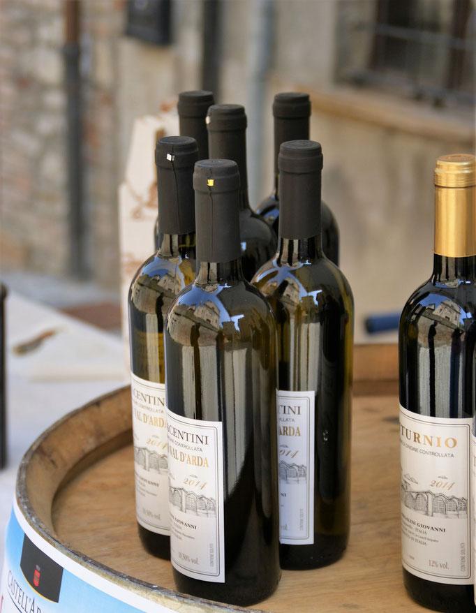 Monterosso val d'Arda festival - Esposizione bottiglie
