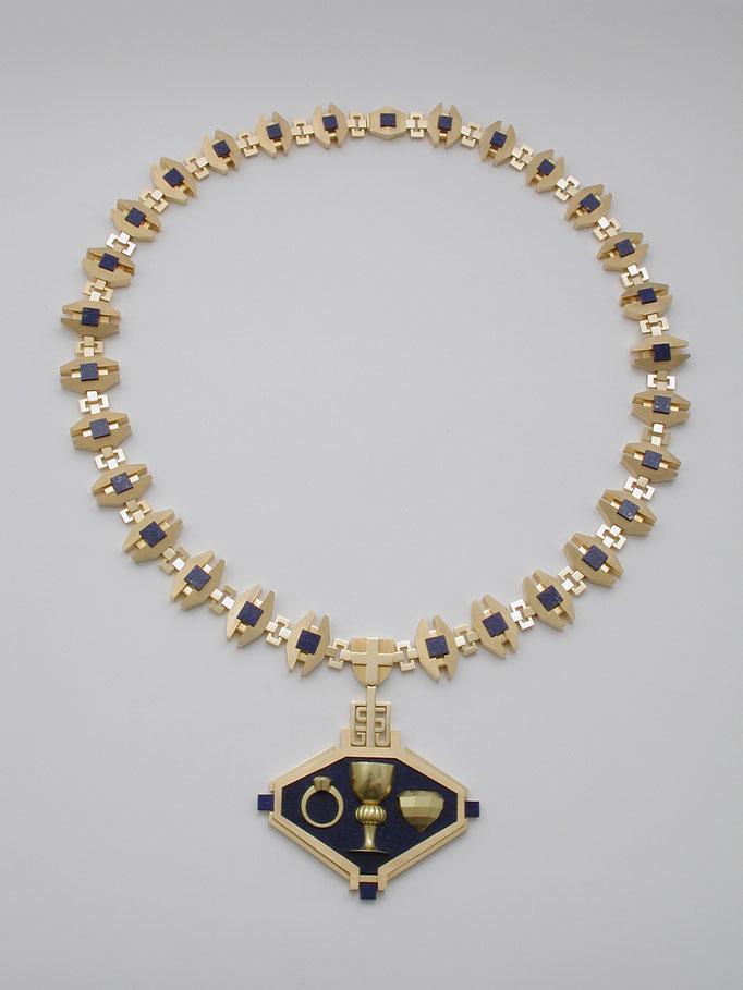 1975        Gewinnt Alfred Seitner den Wettbewerb zur Gestaltung und Umsetzung der Innungsmeisterkette der Gold- und Silberschmiede Wiens