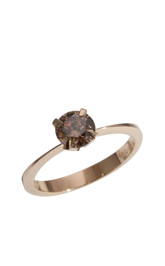 Solitär mit braunem Diamant 0,60 ct, 18 karat Rotgold, 1.990 Euro