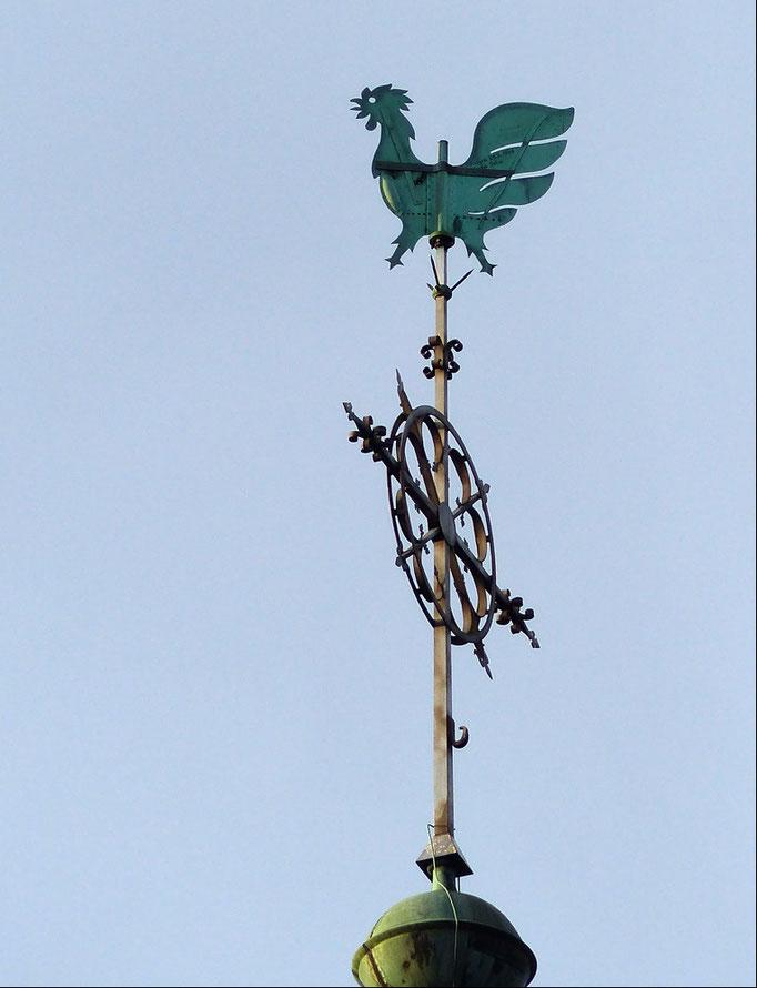 Wetterfahne auf dem Kirchturm der Christophorus Kirche in Werne.