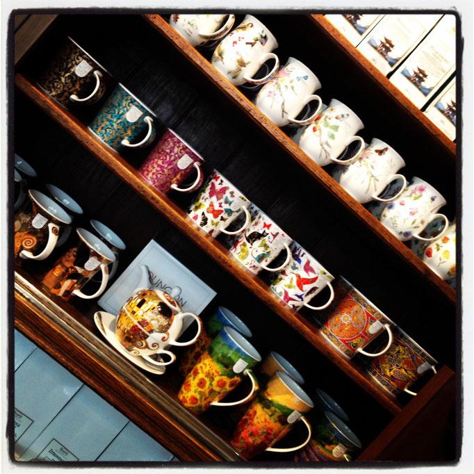 Accessoires - Espressomaschinen und Kaffeemühlen. Tassen, Espressokocher, Zubehör und Pflegeprodukte.