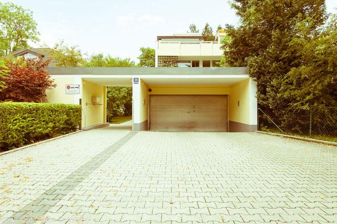 """Fotoprojekt Architekturfotografie """"1200 Garagen Menzing"""", Fotograf: Klaus D. Wolf, München"""