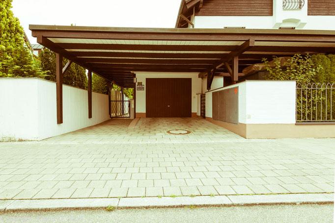 """Fotoprojekt """"1200 Garagen Menzing"""", Architekturfotograf: Klaus D. Wolf, München"""