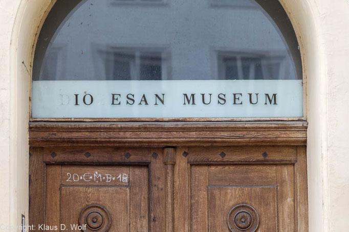 Alter Eingang, Diözesanmuseum Freising, Architekturfotografie München