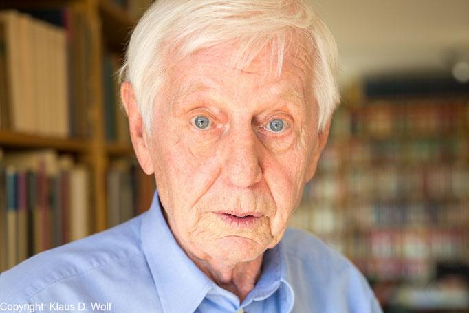 Der Schriftsteller Hans Magnus Enzensberger für La Vanguardia