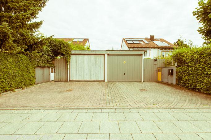 """Freies Projekt Architekturfotografie """"1200 Garagen Menzing"""", Fotograf: Klaus D. Wolf, München"""