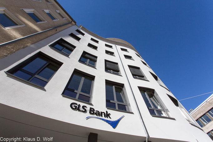 GLS-Bank, PR-Foto für die Filialeröffnung in München