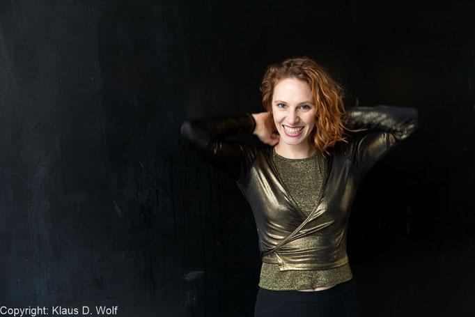 Bildjournalist München: Die gehörlose Tänzerin und Schauspielerin Kassandra Wedel für don bosco magazin