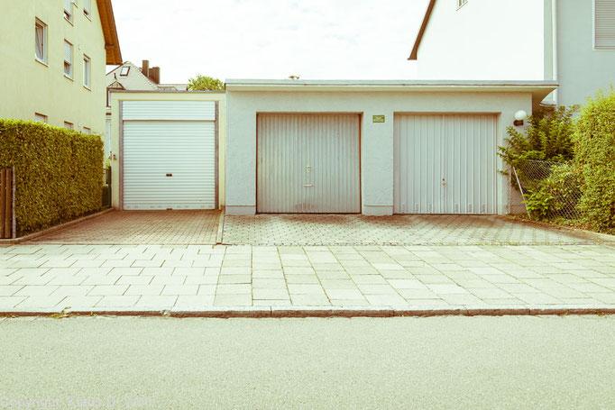 """Architekturfotografie """"1200 Garagen Menzing"""", Fotograf: Klaus D. Wolf, München"""