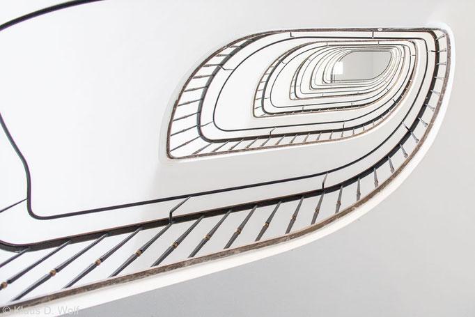 Architekturfotograf München, 60er-Jahre-Bau, Treppenauge