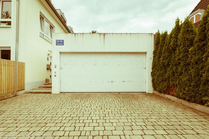 """Aus dem Projekt """"1200 Garagen Menzing"""", Architekturfotograf: Klaus D. Wolf, München"""