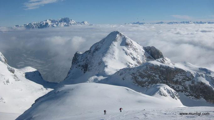 22.01.2011 12:35 Eiskogel, Tennengebirge, Blick zum Dachstein