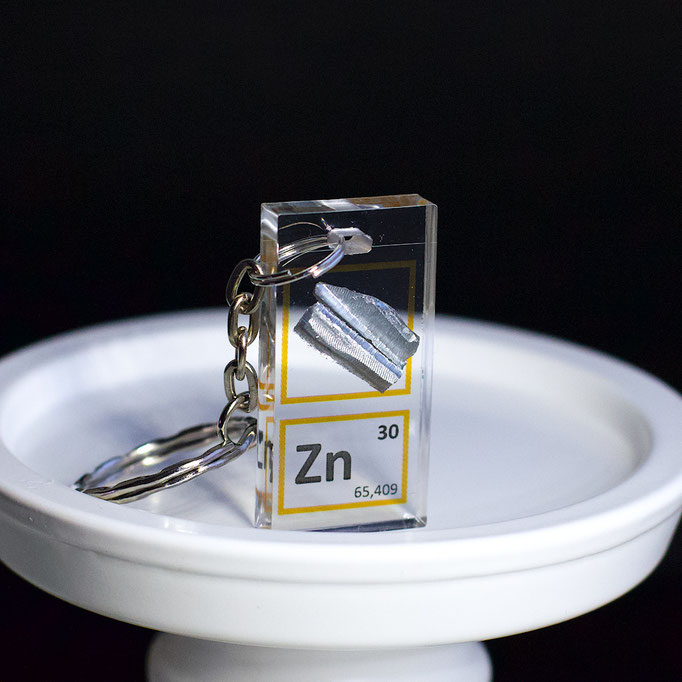 zinc metal keychain, element keychain, metal keychains, periodic table elements keychain, periodic table gift, periodic table gadgets, elements gift