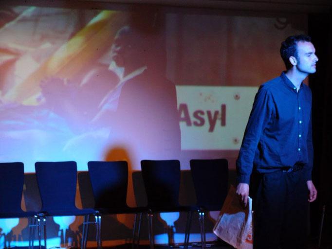 Mia (Theater am Ehrenbreitstein) Rolle: Geflüchteter
