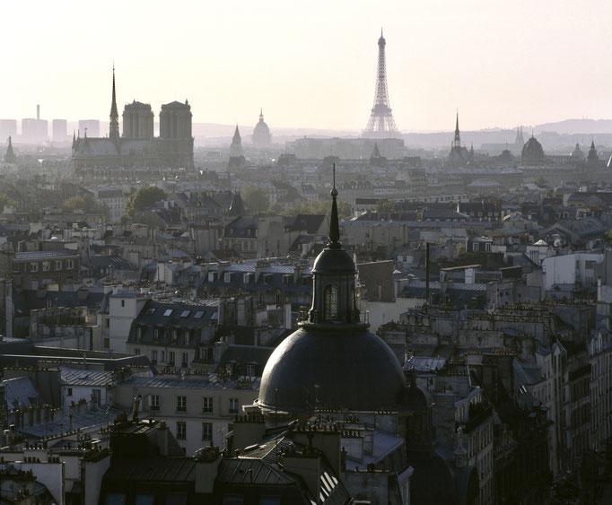 Vue sur Paris depuis la colonne de Juillet