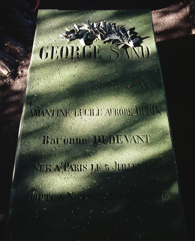 Cimetière de Nohant-Vic, tombe d'Amantine Lucile Aurore Dupin, baronne Dudevant, dite George Sand décédée en juin 1876