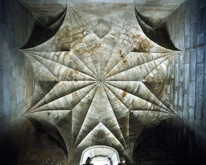 Église Saint-Pierre d'Assier, chapelle funéraire de Galiot de Genouillac, voûte  Cote du cliché : ALC90-0286