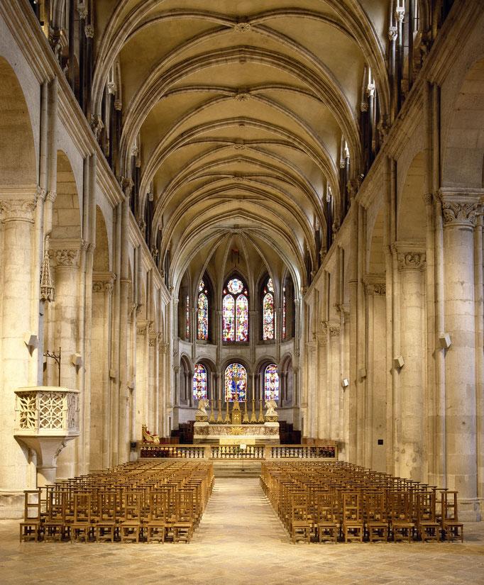 Cathédrale Saint-Jean de Besançon, nef et choeur